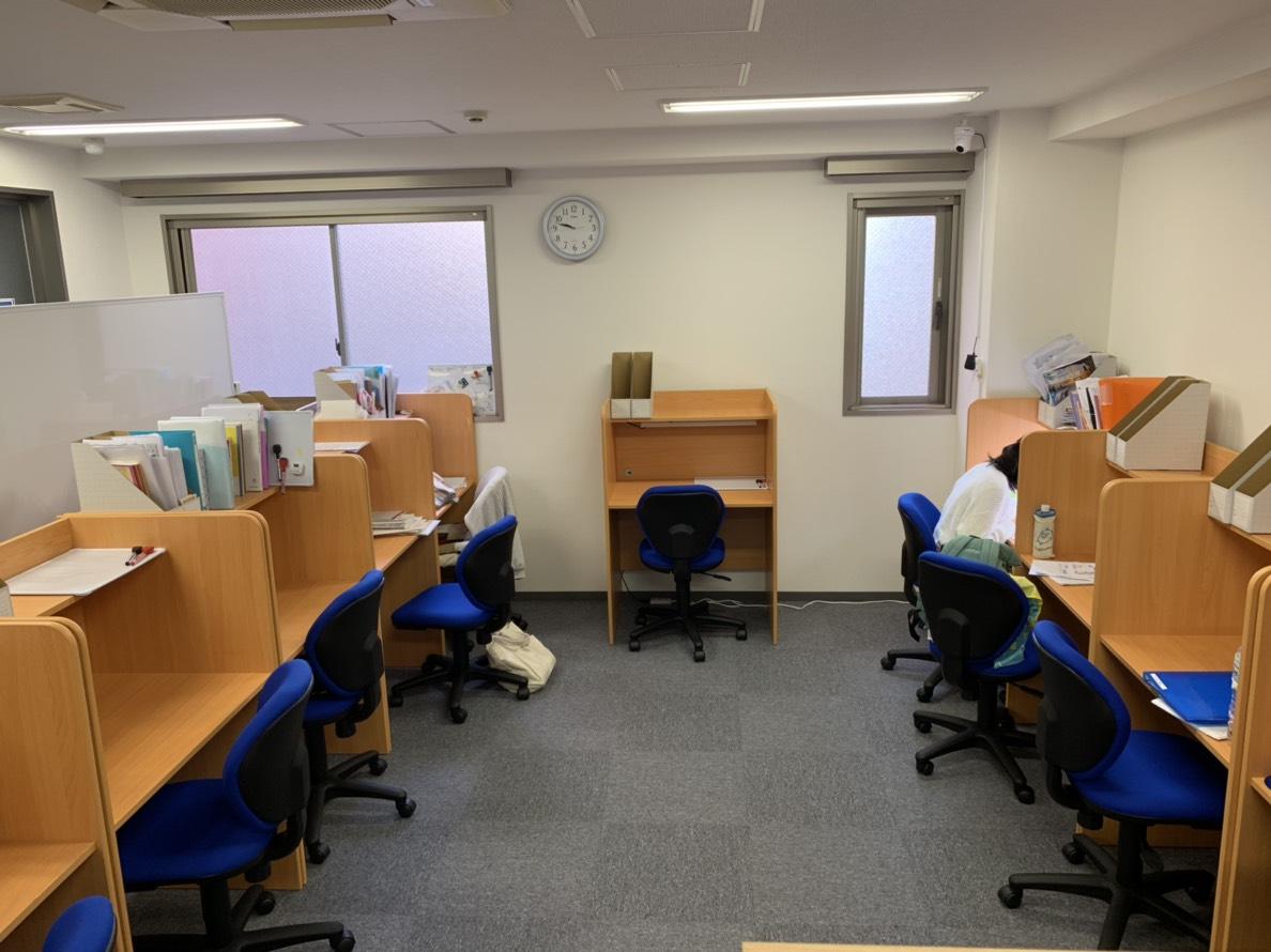 エースメディカル2号館自習室